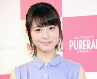 最近CMで見かける浜辺美波さん。高校が堀越なのか、歯並び変わった?と、気になっているかたが多いようです。